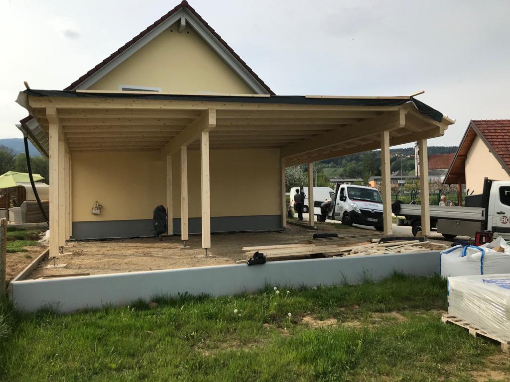 Carport mit Eingangsüberdachung