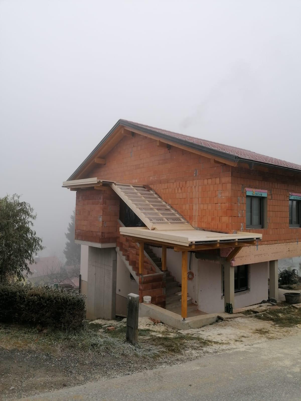 Stiegen- und Eingangsüberdachung