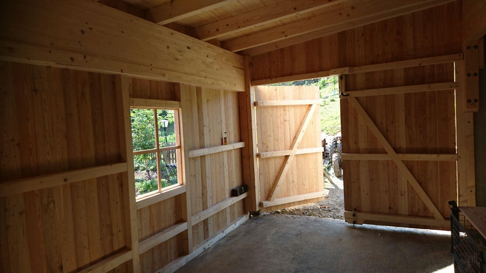 Wirtschaftsgebäˆude in Holzriegelbauweise mit sib. Läˆrchen Deckleistenschalung 2